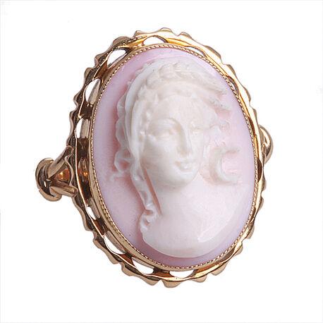 Gouden ring met roze koraal camee