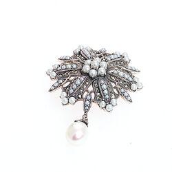 Zilveren hanger of broche parels en markasiet