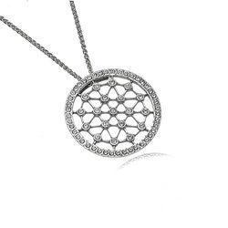 Zilver collier met ronde hanger met kristallen