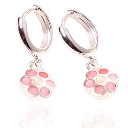Zilveren Creolen Bloempjes Roze Parelmoer
