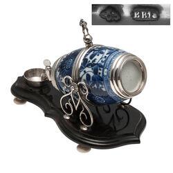 Chinees porselein met Hollands zilveren likeurvaatje