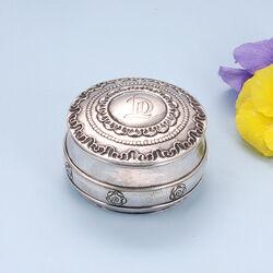 Zilveren dekseldoos uit 1919