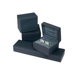 Zilveren heren ring met 2 diamantjes van Fred Bennett R2413