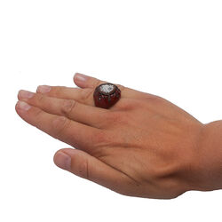 rode ring met camee van Diluca