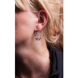 zilver oorhangers pareltjes en markasiet