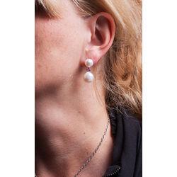 Zilveren oorbellen parels met robijntjes