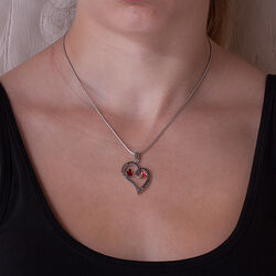 Zilveren hanger hart met 2 rode hartjes