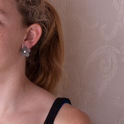 zilver oorstekers bloem parel markasiet