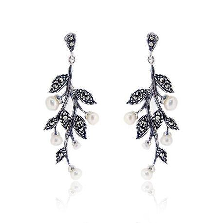 zilveren oorbellen tak met markasiet en parels