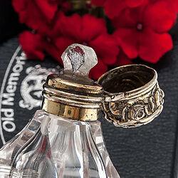 Kristallen Parfumflacon Zilveren Dop