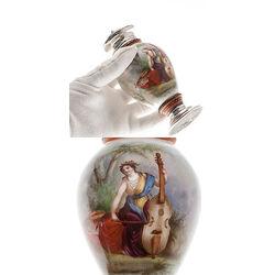 Theebus met zilveren dop en voet