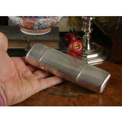 Zilveren sigarenkoker