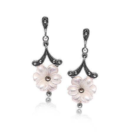 zilver oorbellen bloem markasiet en parelmoer