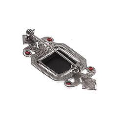 Zilveren hanger of broche zwart agaat met granaat en markasiet