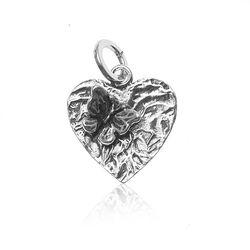 Zilveren harthanger met vlinder