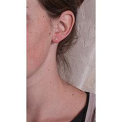 Gouden oorbellen met briljant GE555