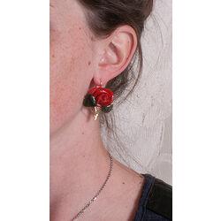 gouden oorbellen rode rozen