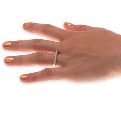 Geel gouden ring strak van vorm met vele briljanten