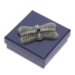 Zilver broche markasiet met blauw saffier en pareltjes