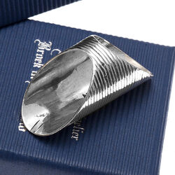 naairing zilver met rib patroon