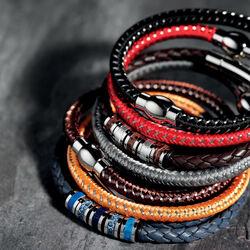 Rode armband voor mannen Fred Bennett