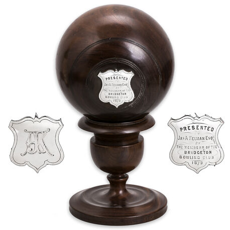 Houten bowlingbal met zilver 19e eeuws