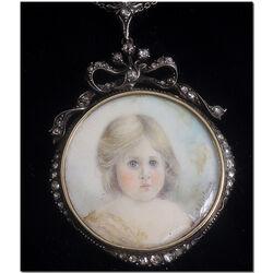 Gouden met zilveren hanger portret