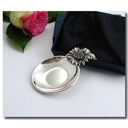 Zilveren bonbon of amuseschaaltje Zonnebloem