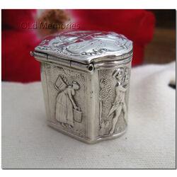 Zilver lodereindoosje gemaakt in de 18e eeuw in Schoonhoven