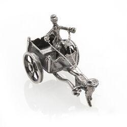 miniatuur zilveren hondenkar