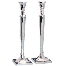 Stel hoge zilveren kandelaars vierkante voet parelrand