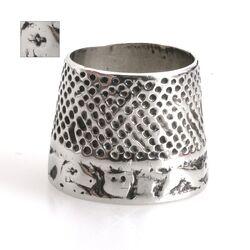 zilveren duimring  antieke vingerhoed