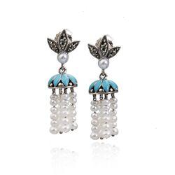 Zilveren oorbelletjes met turqoois markasiet en kleine pareltjes