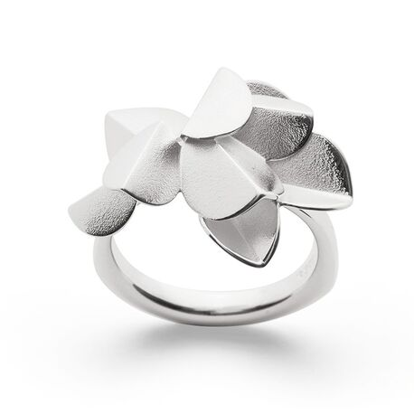 Bastian Inverun Fairytale leaf ring