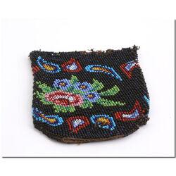 zwart antiek kralenbeursje met gekleurde afbeelding