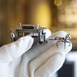 Paardentram miniatuur zilver