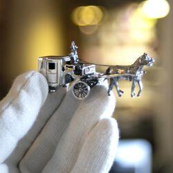 zilveren miniatuur koets met paarden van Begeer bij Zilver.nl