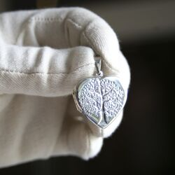 Zilveren medaillon hart met levensboom