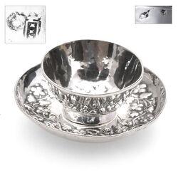 18e Eeuws zilveren miniatuur kom op schotel