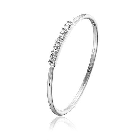 Witgouden ring bezet met rij diamantjes