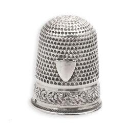 Zilveren vingerhoed hartvormig schild Gabler