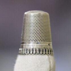 grote oude zilveren vingerhoed Gabler