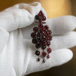 Antieke sieradenset granaat oorbellen met een hanger