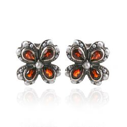 Zilveren oorstekers granaat pareltjes