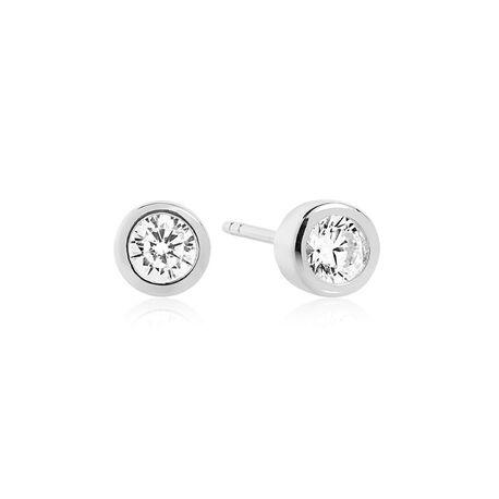 Sif Jakobs zilveren oorstekers bezet met zikronia E1051
