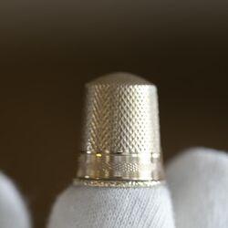 Gouden vingerhoed antiek