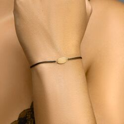 Gevlochten armband met gouden plaatje