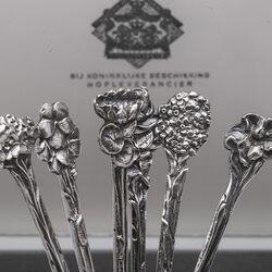 6 Zilveren theelepels bloem