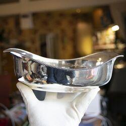 Art deco zilveren broodmand met hamerslag