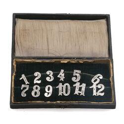 Cijfers van zilver gemaakt door Peereboom te Amsterdam